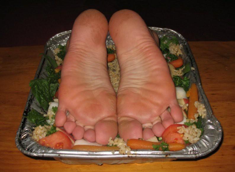 ноги с овощами